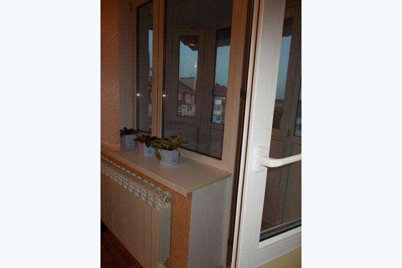 2-комн. квартира, 64 кв.м. на 6 человек, улица Коммунаров, 26, Ейск - Фотография 20