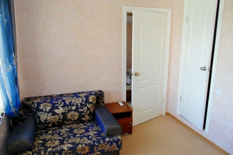 Двухкомнатный номер с балконом, улица Агафонова, 96Б, Черноморское - Фотография 8