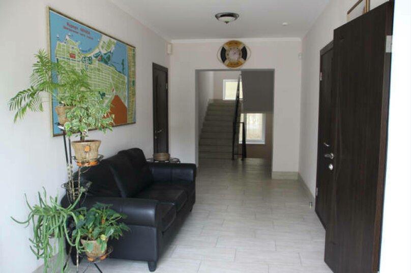 Гостевой дом Лорис, улица Калинина, 22 на 8 комнат - Фотография 6