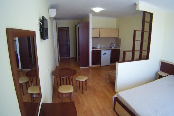 Гостевой дом , улица Гагарина, 46 на 6 номеров - Фотография 2