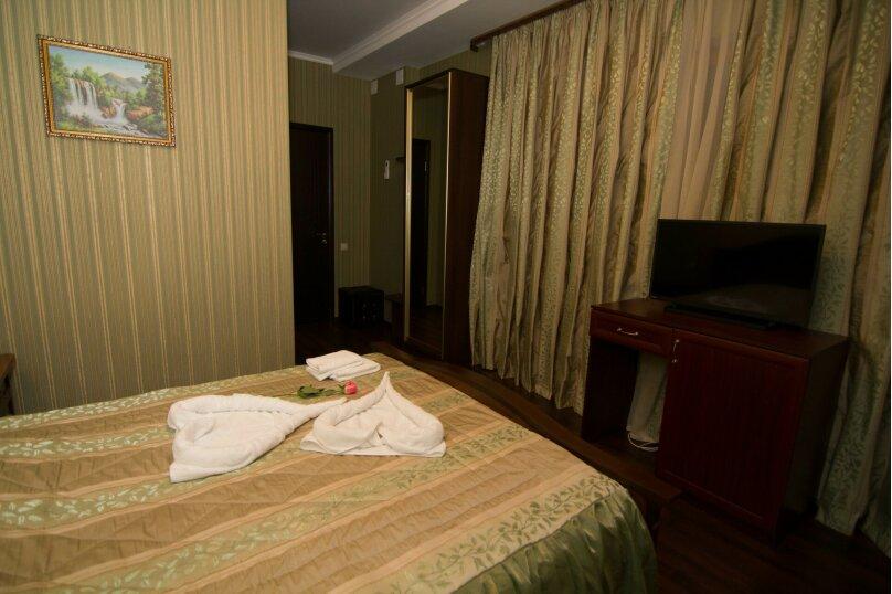 """Отель """"На Генерала Тюленева 12/1"""", улица Генерала Тюленева, 12 на 25 номеров - Фотография 36"""