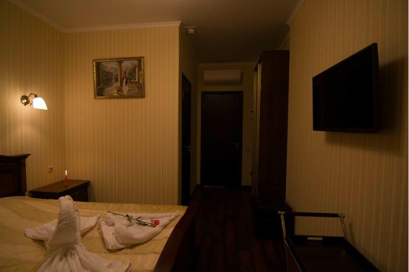 """Отель """"На Генерала Тюленева 12/1"""", улица Генерала Тюленева, 12 на 25 номеров - Фотография 37"""