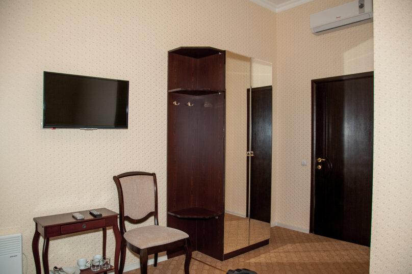 """Отель """"На Генерала Тюленева 12/1"""", улица Генерала Тюленева, 12 на 25 номеров - Фотография 44"""