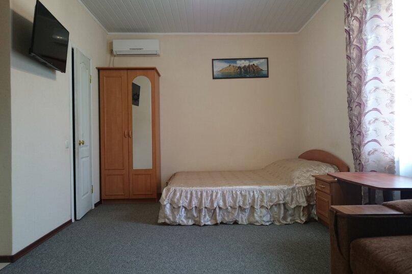 """Гостевой дом """"На Севастопольской 15"""", Севастопольская улица, 15 на 6 комнат - Фотография 34"""