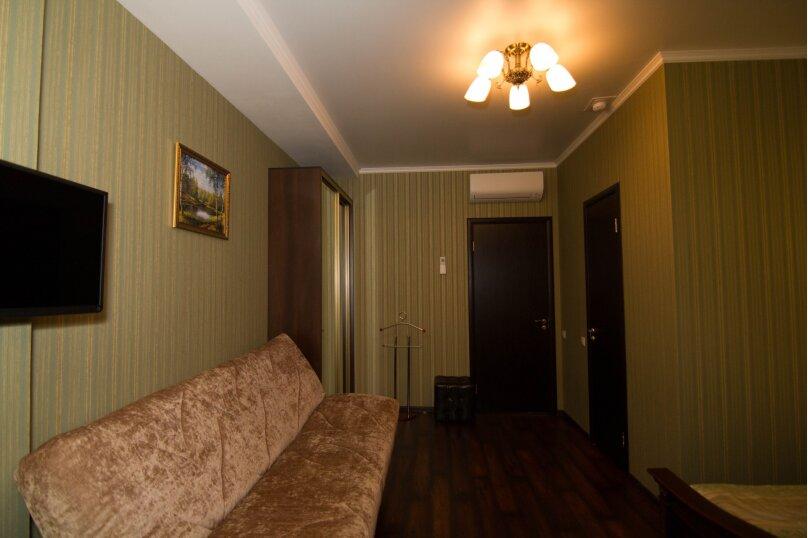 """Отель """"На Генерала Тюленева 12/1"""", улица Генерала Тюленева, 12 на 25 номеров - Фотография 11"""