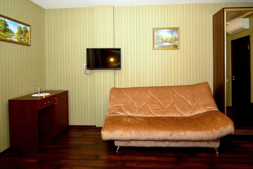 """Отель """"На Генерала Тюленева 12/1"""", улица Генерала Тюленева, 12 на 25 номеров - Фотография 12"""