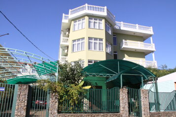 Гостевой дом, улица Просвещения, 109В на 12 комнат - Фотография 1