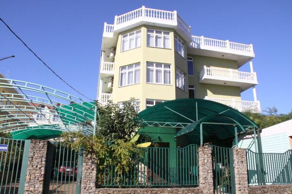 Гостевой дом, улица Просвещения, 109В на 12 номеров - Фотография 1