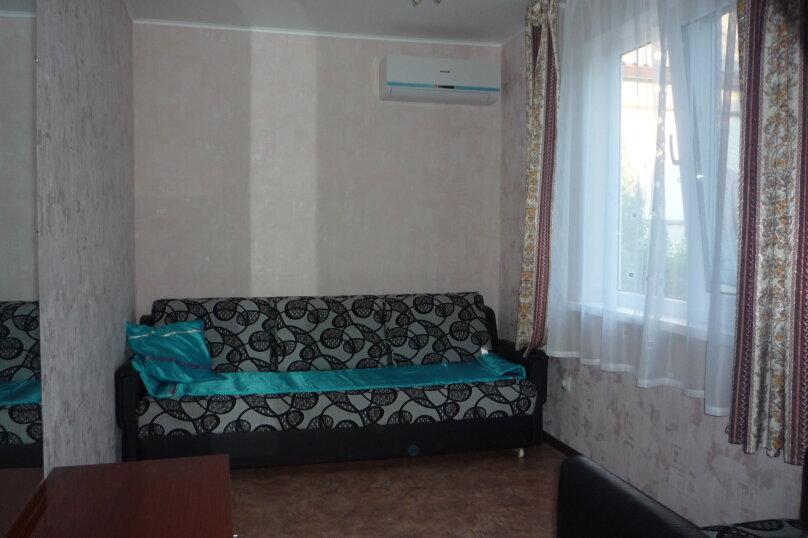 Дом, улица Горшковой, 15, Приморско-Ахтарск - Фотография 1