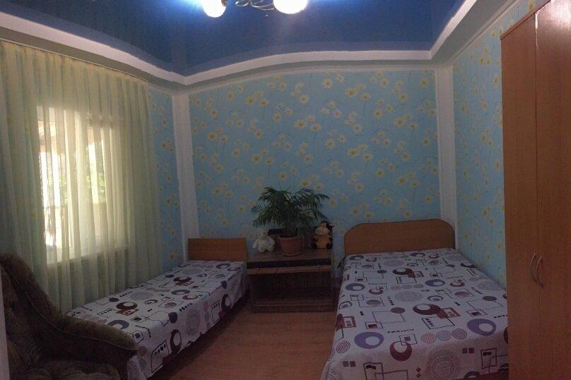 Коттедж на 6 чел. 2-х комнатный с кухней- столовой., 48 кв.м. на 6 человек, 2 спальни, с Морское Мартынова, 31, Морское - Фотография 27