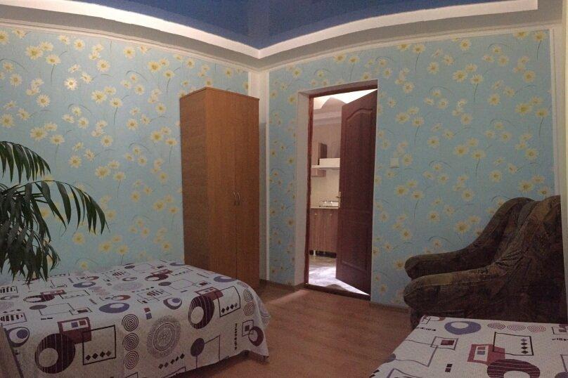 Коттедж на 6 чел. 2-х комнатный с кухней- столовой., 48 кв.м. на 6 человек, 2 спальни, с Морское Мартынова, 31, Морское - Фотография 30