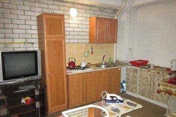 Гостевой дом, переулок 30-й Стрелковой Дивизии, 3А на 10 комнат - Фотография 1
