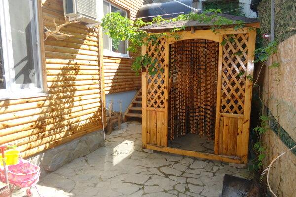 Однокомнатный трехместный домик №1, 15 кв.м. на 3 человека, 1 спальня, Тенистая аллея, 6, Судак - Фотография 1