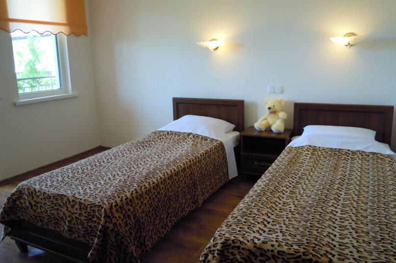 2-х местная комната на первом этаже с раздельными кроватями, Фиолент, 2-я линия, 239, Севастополь - Фотография 1