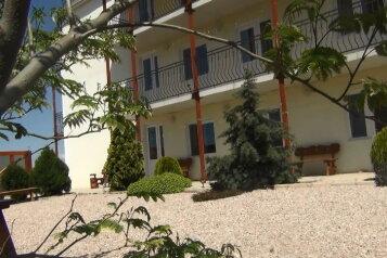 Гостевой дом п. Андреевка у моря, Верхняя улица, 4 на 10 номеров - Фотография 2