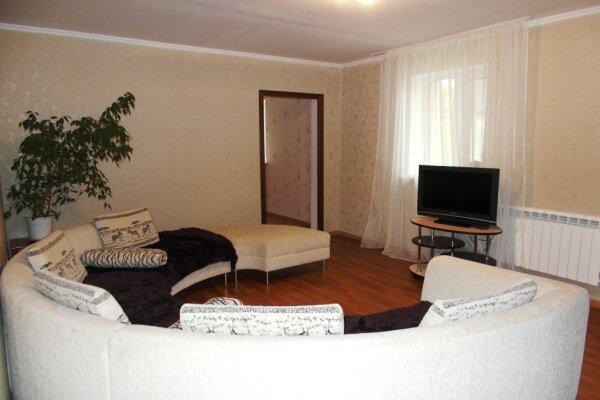 Дом, 100 кв.м. на 8 человек, 3 спальни, Ольховская улица, 30, Кисловодск - Фотография 1