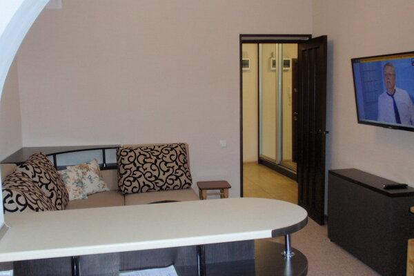 2-комн. квартира, 45 кв.м. на 3 человека, улица Мухина, 22, Ялта - Фотография 1