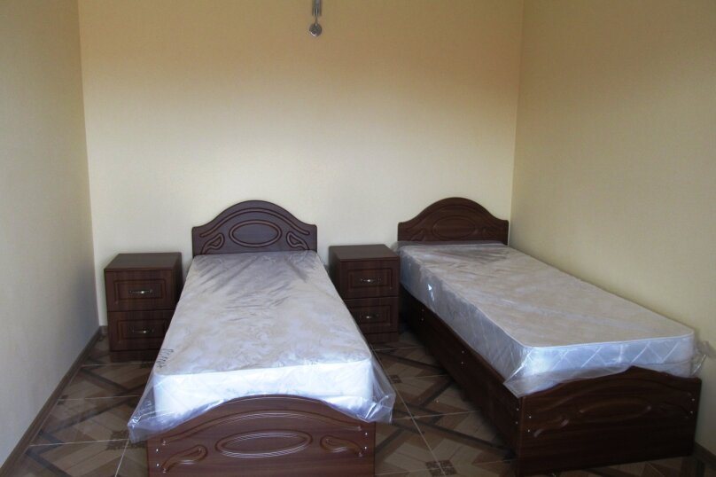 """2-х местный номер """"Комфорт"""" с двумя раздельными кроватями, улица Ореховая Роща, 3, Джубга - Фотография 1"""