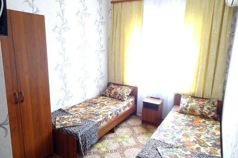 1-но комнатный 2-х местный (+1) полулюкс, улица Краснодарская, 25, Голубая бухта, Геленджик - Фотография 1