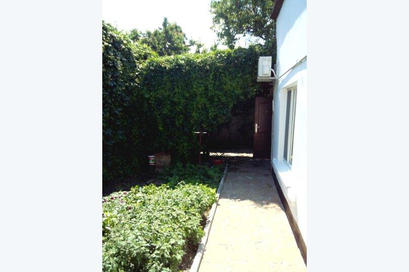 Частный дом под ключ со своим двором, 50 кв.м. на 5 человек, 2 спальни, Советская улица, 63, Феодосия - Фотография 13