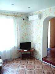 Частный дом под ключ со своим двором, 50 кв.м. на 5 человек, 2 спальни, Советская улица, Феодосия - Фотография 3