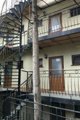 Мини-отель, улица Мориса Тореза на 6 номеров - Фотография 2