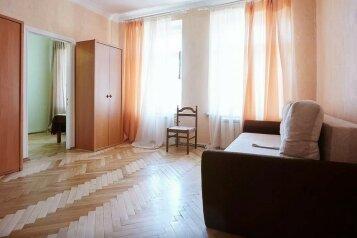 2-комн. квартира, 75 кв.м. на 6 человек, Невский проспект, метро Восстания пл., Санкт-Петербург - Фотография 2