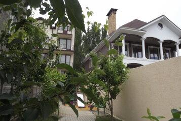 Гостевой дом , Советская улица, 40 на 9 комнат - Фотография 1