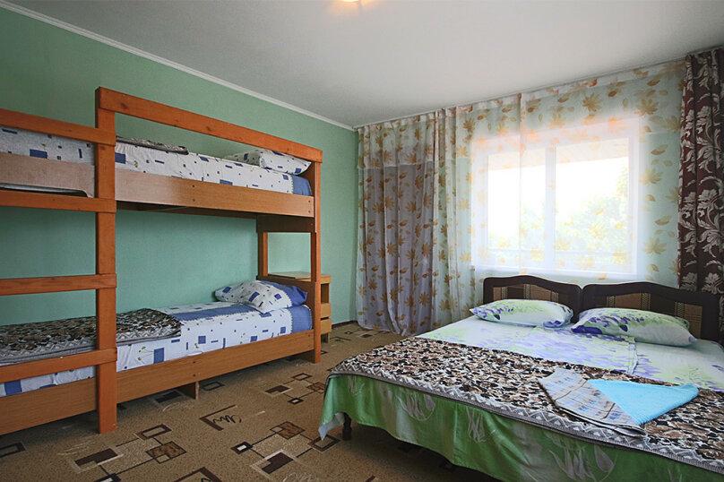 """Гостевой дом """"Комфорт"""", Школьная улица, 80 на 8 комнат - Фотография 41"""