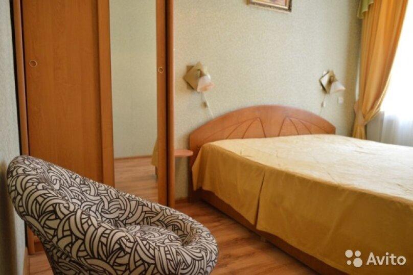 2-комн. квартира, 30 кв.м. на 4 человека, Дражинского, 36, Ялта - Фотография 2