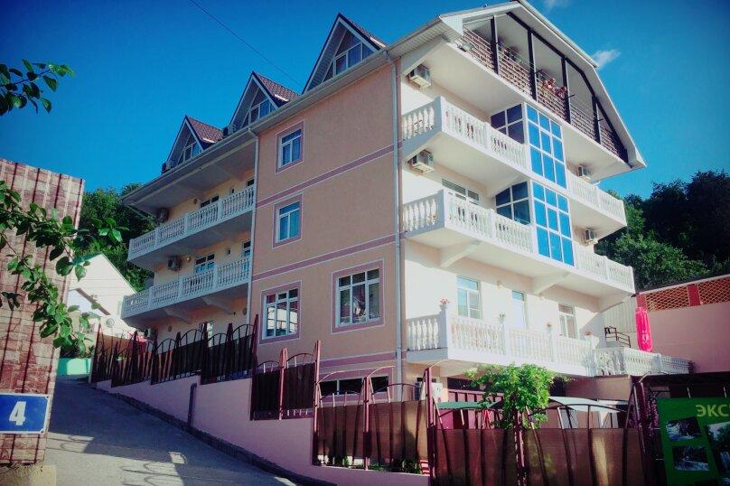 """Гостевой дом """"АЛИНА"""", Зелёная улица, 12 на 25 комнат - Фотография 2"""