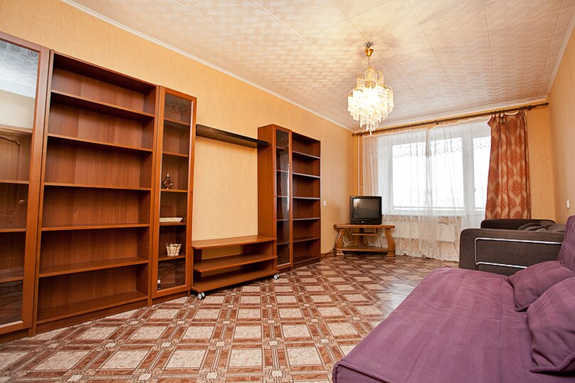 3-комн. квартира, 100 кв.м. на 6 человек, улица Цвиллинга, 34, Челябинск - Фотография 1