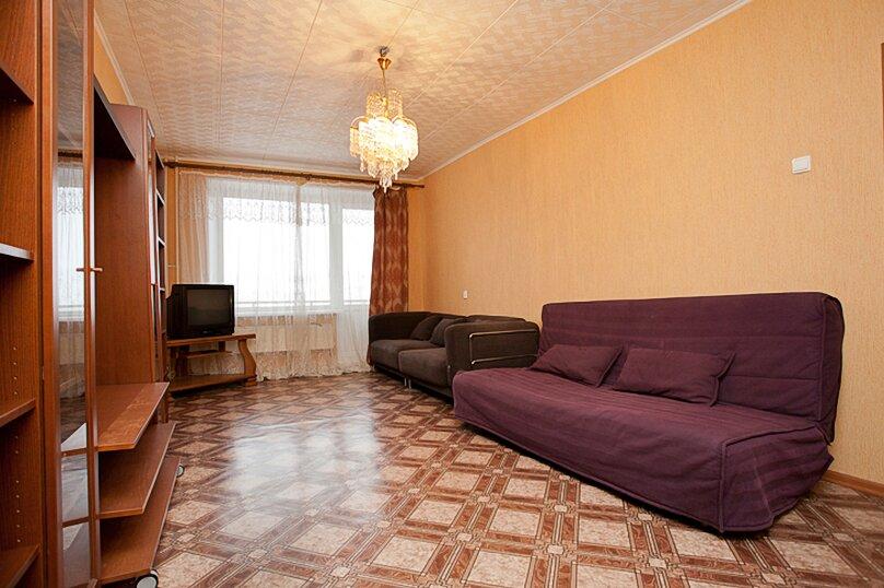 3-комн. квартира, 100 кв.м. на 6 человек, улица Цвиллинга, 34, Челябинск - Фотография 2