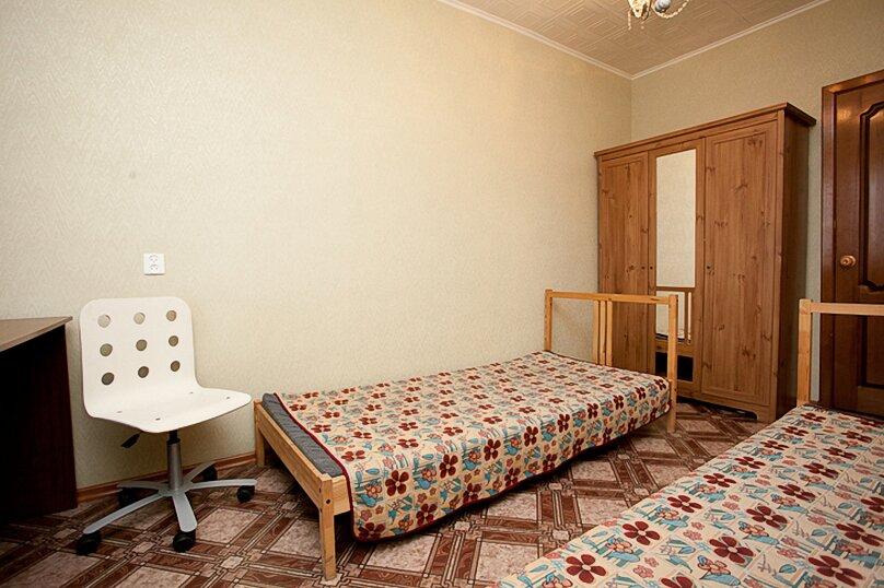 3-комн. квартира, 100 кв.м. на 6 человек, улица Цвиллинга, 34, Челябинск - Фотография 3