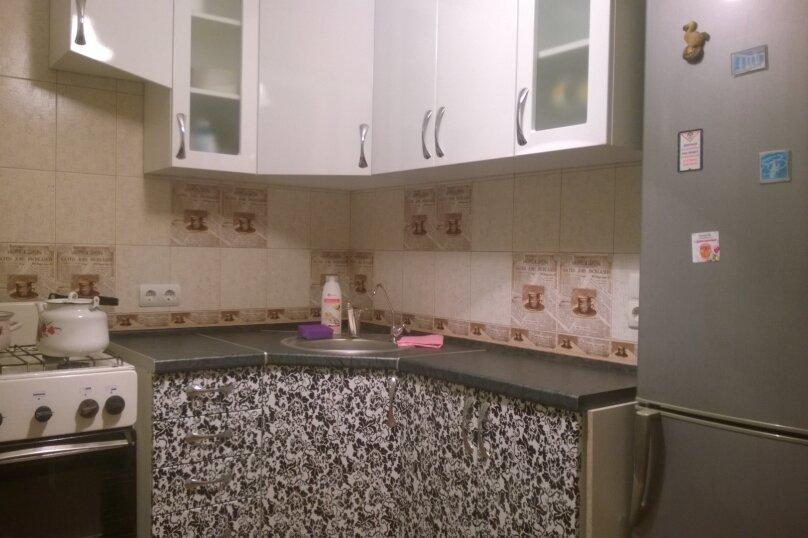 1-комн. квартира, 32 кв.м. на 4 человека, улица Ульяновых, 2, Керчь - Фотография 4