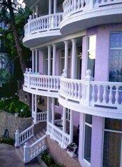 Гостевой дом среди ливанских кедров, Алупкинское шоссе на 15 номеров - Фотография 2