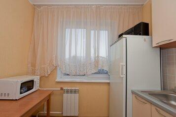 1-комн. квартира, 32 кв.м. на 3 человека, улица Володарского, 17, Челябинск - Фотография 3