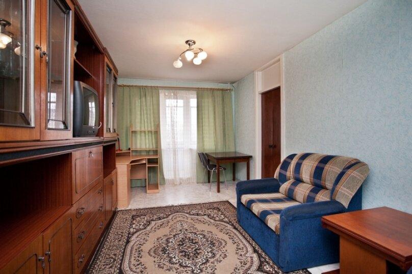 3-комн. квартира, 100 кв.м. на 7 человек, улица Курчатова, 10, Челябинск - Фотография 3