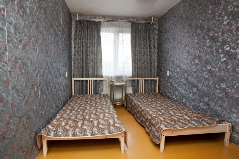 3-комн. квартира, 100 кв.м. на 7 человек, улица Курчатова, 10, Челябинск - Фотография 5