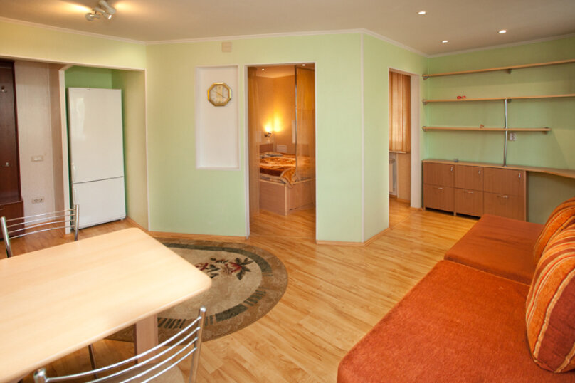 3-комн. квартира, 90 кв.м. на 6 человек, улица Худякова, 25, Челябинск - Фотография 2