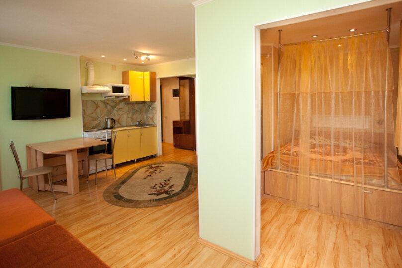 3-комн. квартира, 90 кв.м. на 6 человек, улица Худякова, 25, Челябинск - Фотография 3