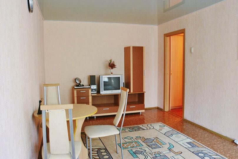 1-комн. квартира, 34 кв.м. на 2 человека, проспект Ленина, 23, Челябинск - Фотография 1