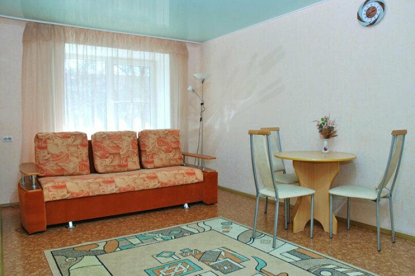 1-комн. квартира, 34 кв.м. на 2 человека, проспект Ленина, 23, Челябинск - Фотография 2