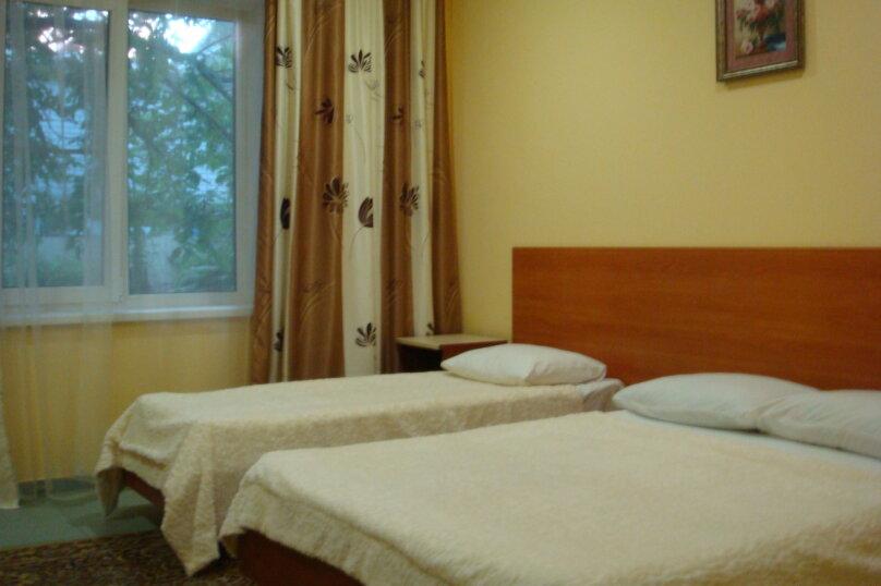 Гостевой дом Якорь+, Ивана Голубца, 50 на 5 комнат - Фотография 2