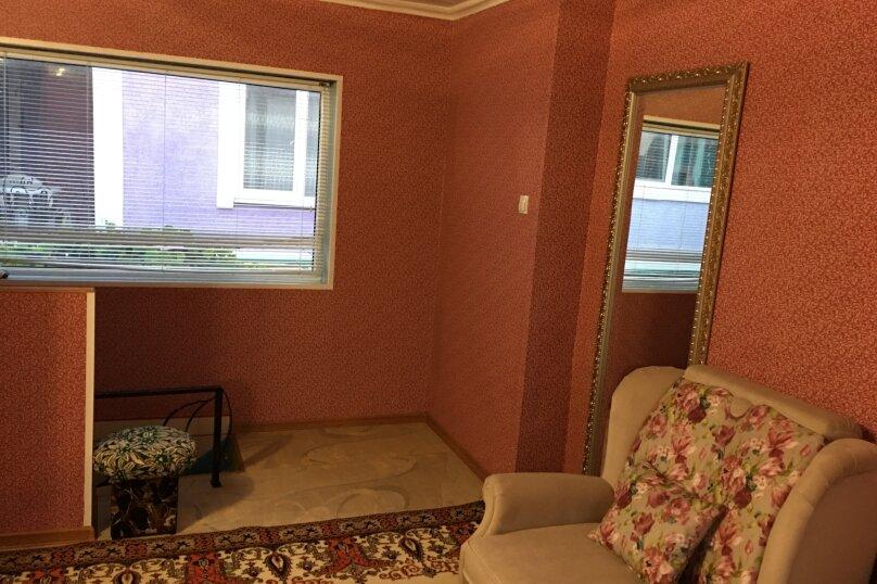 Двухэтажный домик на 1-3 человек. Центр города, 30 кв.м. на 3 человека, 1 спальня, улица Куйбышева, 12, Феодосия - Фотография 5