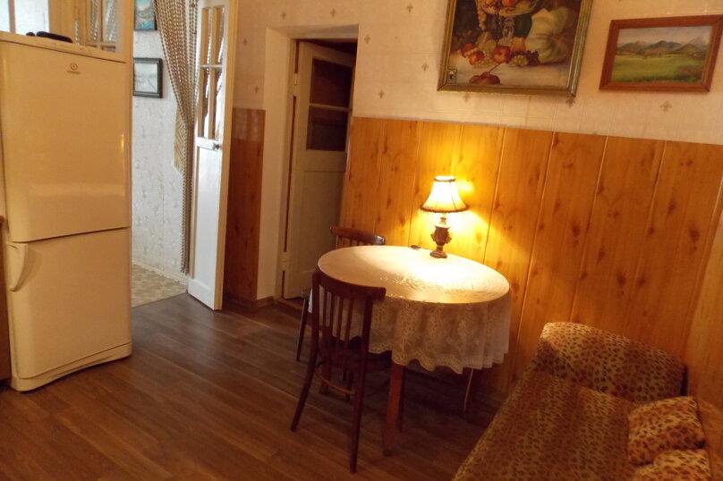 1-комн. квартира, 50 кв.м. на 3 человека, улица Назукина, 1, Феодосия - Фотография 2