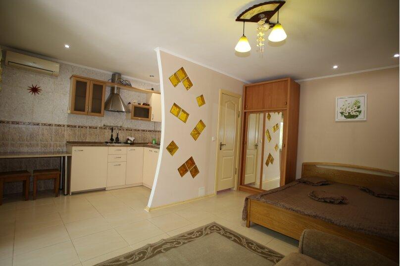 1 этаж с двориком своим под ключ, 28 кв.м. на 3 человека, 1 спальня, Русская улица, 45, Феодосия - Фотография 3