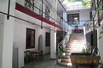 Гостиница, улица Маяковского, 156 на 14 комнат - Фотография 1