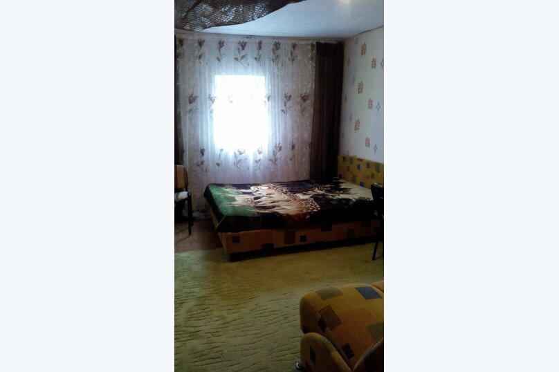 """Гостевой дом """"На Александрова 4"""", улица Александрова, 4 на 5 комнат - Фотография 2"""