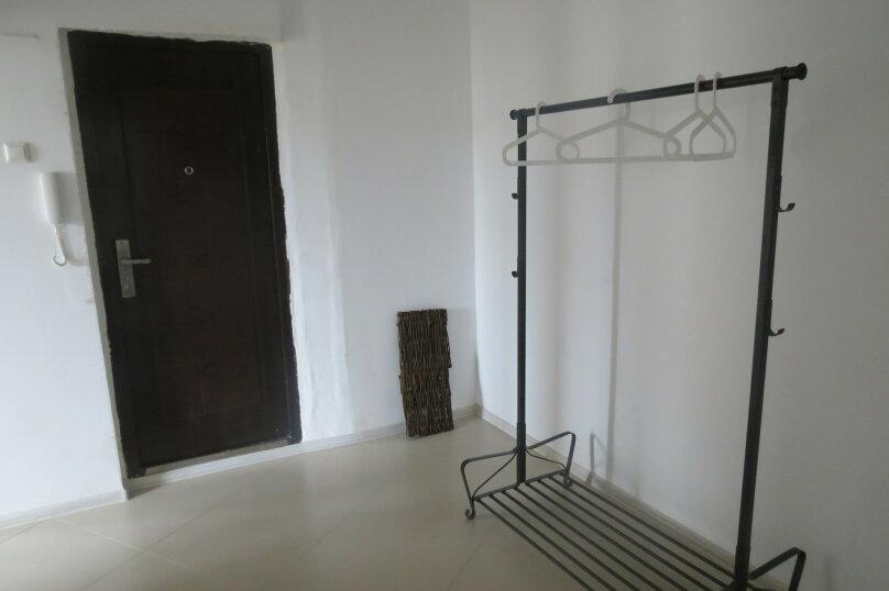 3-комн. квартира, 73 кв.м. на 8 человек, улица Гущина, 4, Псков - Фотография 2